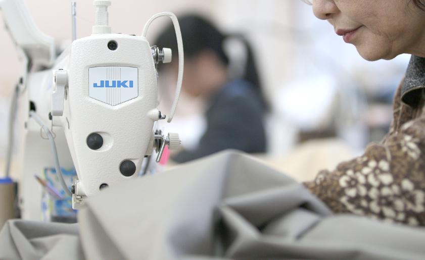 染め、織り、加工すべて日本で